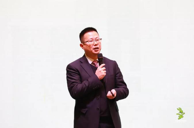 产品研发部总监李柠先生